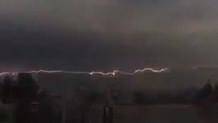 İstanbul'daki yağmurun en ilginç görüntüsü! Şimşek çakması olay oldu
