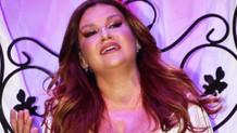 Deniz Seki Bodrum konserinde gözyaşlarına boğuldu