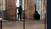 Fransa'da Nimes tren garı, silahlı kişiler nedeniyle tahliye edildi