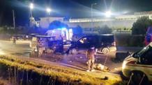 İki minibüs kafa kafaya çarpıştı: 8 yaralı
