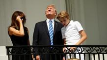 Trump güneş tutulmasına çıplak gözle baktı!