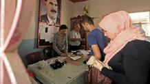 Herkes Barzani'yi konuşurken PYD Öcalan posteriyle seçim yapıyor