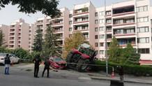 Son dakika: TBMM önünde durmayan traktöre ateş açıldı!
