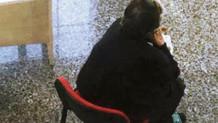 Sosyal yardım alamayınca annesini bakanlığın kapısına bırakıp gitti