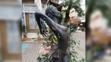 İstanbul'da balerin heykeline tecavüz girişimi!