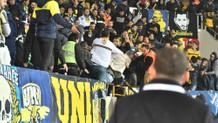 Akhisar'da Fenerbahçe tribününde kanlı kavga!