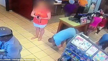 Markette mide bulandıran olay! Sıra bekleyen kadının etek altı görüntüsünü çekti
