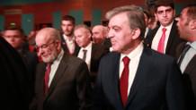 Abdullah Gül ile Temel Karamollaoğlu ödül gecesinde buluştu