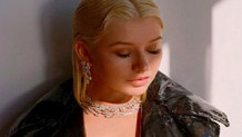 Christina Aguilera'dan çok tartışılacak albüm tanıtımı