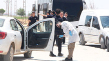 Suruç'ta havaya ateş açarak durdurulan otomobilde 4 çuval oy pusulası ele geçirildi!