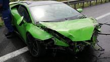 Milli futbolcu trafik kazası geçirdi