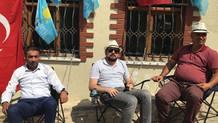 İYİ Parti ilçe başkanları kendilerini Meral Akşener'in evine zincirledi