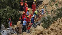 Filipinler'de facia: 5 ölü! 100 kişinin toprak altında kalmasından korkuluyor