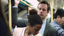 Üniversite otobüsünde genç kızın arkasına geçip taciz etti