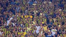 Fenerbahçe tribünlerinde Ersun Yanal tezahüratı
