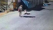 Küçük kıza anne şiddeti! Üzerinde sigara bile söndürmüş!