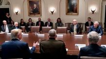 Beyaz Saray'da kriz patladı: Demokratlar toplantıyı terk etti