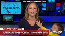 MSNBC Sunucusu Barış Pınarı Harekatını anlatırken çocuğu yayına girdi