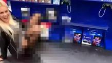 Oyun konsolu satılan bölümde çişini yapan kadın olay oldu