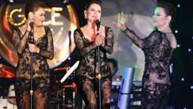 Deniz Seki'den transparan elbise eleştirilerine Beyonce ve Jennifer Lopez'li yanıt!