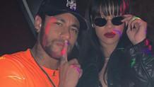 Neymar ödül törenine katılmak yerine Rihanna'yla eğlendi