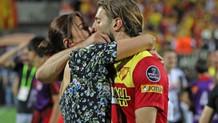Göztepe maçına Ebru Şancı'nın öpücüğü damga vurdu