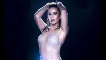Simge Sağın'dan heyecanlandıran bikinili poz