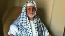 Arap şeyhi gibi giyinen Rektör Ağırakça görevden alındı