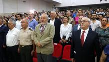 İlber Ortaylı'nın katıldığı etkinlikte İstiklal Marşı unutuldu