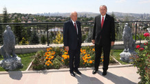 Karar yazarı: Bahçeli, Erdoğan'ın 15 seçim zaferiyle elde ettiği gücü kontrol ediyor