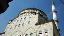 AKP'li belediye vergi borcunu ödeyebilmek için 8 camiyi devrediyor