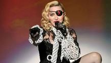 Dennis Rodman: Madonna onu hamile bırakmam için 20 bin dolar teklif etti
