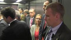 Asansör çalışmadı Erdoğan sinirlendi... Biri insin ya!