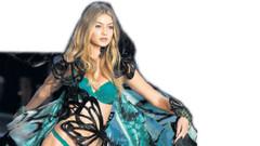 Gigi Hadid'in çıplak pozları internete sızdı
