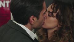 Kadir Doğulu ile Seda Bakan'ın öpüşme sahnesi diziye damga vurdu!