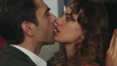 Bana Sevmeyi Anlat'taki ateşli öpüşme sahnesi olay oldu