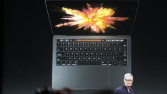 Apple, Macbook Pro ve Macbook Air'i tanıttı