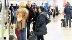 Gülben Ergen'i havaalanında eski eşi karşıladı