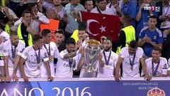 Şampiyonlar Ligi kupa töreninde Türk bayrağına müdahale!