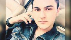 AVM'de öpüşen gençleri uyardı, 4 yerinden bıçaklandı