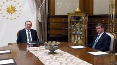 Davutoğlu veda ediyor, gözler yeni Başbakan'da
