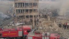 Son dakika haberi: Cizre'de Çevik Kuvvet müdürlüğüne bombalı saldırı: Çok sayıda ambulans gidiyor