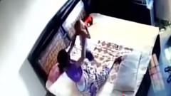 Yatak odasına gizli kamera yerleştiren kocaya şok!