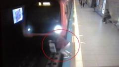 Genç kadın metronun önüne böyle atladı! O an kamerada