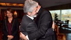 Mustafa Tuna ile Alper Taşdelen'in samimi karesi ortalığı karıştırdı