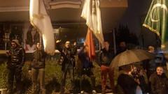 Beyaz TV binası önünde Rasim Ozan Kütahyalı protestosu