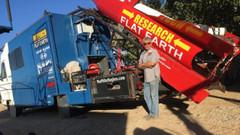 Ev yapımı Roketiyle dünyanın düz olduğunu kanıtlamak için uçacak