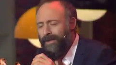 Halit Ergenç şarkı söyledi Beyaz şov yıkıldı