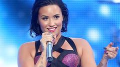 Demi Lovato'nun çıplak pozu başına dert oldu!