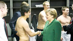 Mesut Özil'den müthiş açıklama: Merkel'i karşımda görünce...
